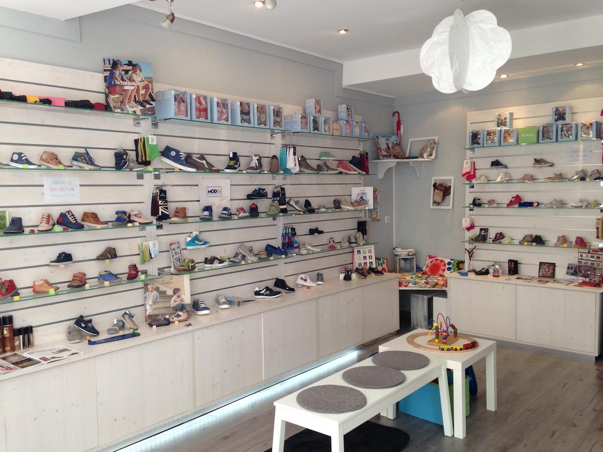 Tom l a une boutique de chaussures pour enfants for Lea boutique